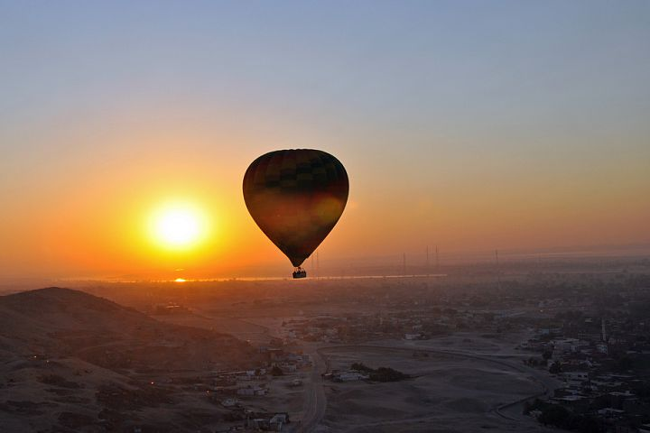 Inny balon, tuż nad Nilem